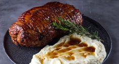 Μελωμένο, μαλακό χοιρινό μπούτι φούρνου με μουστάρδα - Χρυσές Συνταγές Steak, Food And Drink, Pork, Kale Stir Fry, Pigs, Pork Chops, Steaks
