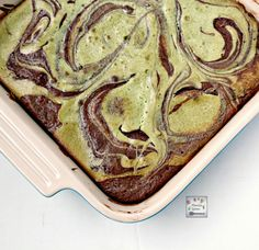 Matcha Green Tea provides a lovely contrast of flavors and colors in this delicious and fudgy brownies. One slice won't be enough! #matcha #green #tea #swirled #brownies