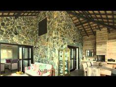 Casa De Luxo Mobiliada Em Resort Exclusivo Porto Seguro - Bela casa com mobília de excelente qualidade e localizada dentro de um resort de luxo, com infra-estrutura excelente e cercado pela natureza.