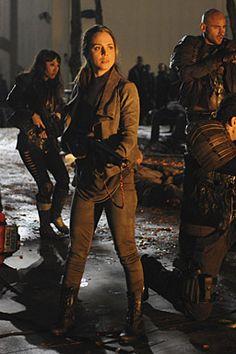 Eliza Dushku in Dollhouse Dollhouse Tv Series, Story Inspiration, Character Inspiration, Post Apocalypse, Apocalypse Aesthetic, Eliza Dushku, Cyberpunk Fashion, Fantasy, Female Characters