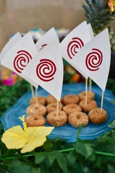 These 27 Disney Moana Birthday Party Ideas are perfect for your little Polynesian princess and her birthday party! Find tons of food and decor ideas!