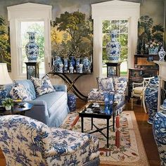 thefoodogatemyhomework:  Ahhhh blue and white, and chintz, and mural overload!