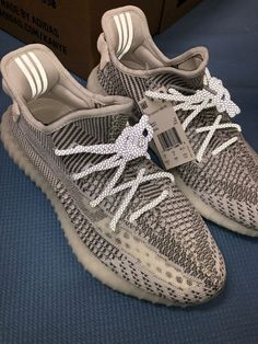 9389a7f621220 Adidas Yeezy Boost 350 V2 Static Size 10.5 Non Reflective (EF2905)  fashion