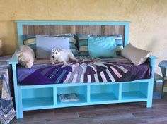 Pallet wood daybed | Do It Yourself Home Projects from Ana White