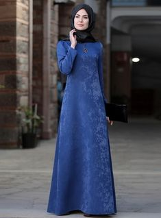Esin Elbise – Taba The clothing culture is quite old. Possibly the oldest and uninterrupted cultural behavior of man. Abaya Fashion, Muslim Fashion, Modest Fashion, Modest Dresses, Modest Outfits, Dress Outfits, Hijab Dress, Hijab Outfit, Mode Hijab