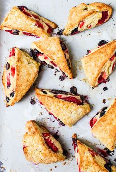 {Cooking with Friends} Triple Berry Scones, by Simple Bites (Food Nouveau - Delicious Discoveries, Abroad and at Home) Breakfast And Brunch, Breakfast Scones, Breakfast Recipes, Dessert Recipes, Eat Seasonal, The Best, Food Porn, Easy Meals, Food And Drink