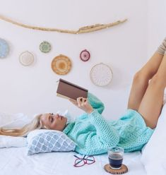 10 Things To Do Every Night Before Bed - Afam Uche Cute Quotes For Girls, Good Morning Love Messages, Waking Up Tired, Coaching, Healthy Morning Routine, Health World, Physical Stress, How To Wake Up Early, Sleep Early