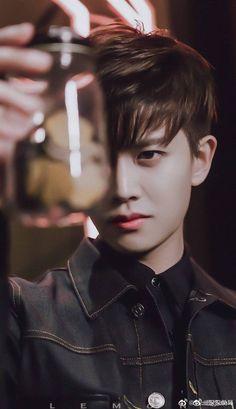 Beautiful Boys, Pretty Boys, Monster Hunter Art, Chinese Gender, Grunge Boy, Men Photoshoot, Handsome Actors, Asian Actors, True Beauty