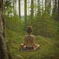 Yoga in the Woods Yoga Flow, Yoga Meditation, Yoga Fitness, Looks Hippie, Hippie Vibes, Yoga Inspiration, Dream Life, Reiki, Peace And Love