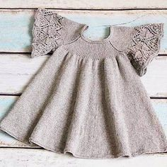 Crochet is the New Source of Income for Thousands of Women Knit Baby Dress, Knitted Baby Clothes, Baby Cardigan, Knitting For Kids, Baby Knitting Patterns, Crochet Baby, Knit Crochet, Baby Sweaters, Handmade Clothes