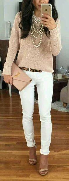 And that's how to wear white pants