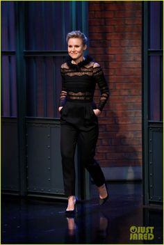 8021bb9405 Kristen Bell   Zuhair Murad Black Mock Neck Lace Jumpsuit from the Pre-Fall  2017 Collection