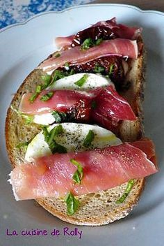 Bruschetta italienne simple et rapide - esther vilalta - Italian Bruschetta Recipe, Bruchetta, Country Bread, Perfect Food, Food Dishes, Italian Recipes, Entrees, Good Food, Stuffed Peppers