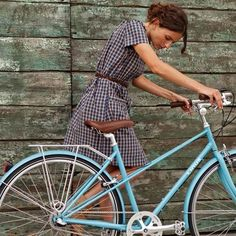 Vintage bicycle and dress. so cute
