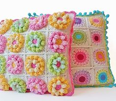 First of all, I want to thank you for your numerous comments on my previous post (about Teddy Bear Granny Square). Crochet Home, Love Crochet, Beautiful Crochet, Crochet Baby, Knit Crochet, Crochet Cushions, Crochet Pillow, Loom Patterns, Crochet Patterns
