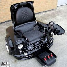If I ever need a wheelchair, I want this one.