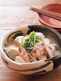 Japanese food / 塩鮭と里いもの酒粕煮