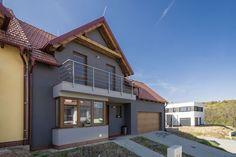 Rodinný dom je postavený z tepelnoizolačných tvárnic Lambda YQ. #rodinnydom #stavba #svojpomocne #stavebnymaterial #ytong #zdravebyvanie #vysnivanydom #modernydom #staviamedom #byvanie #rodinnebyvanie #modernydomov #architektura #nezateplenydom #bezzateplenia