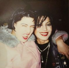 kathleen hanna | Kathleen Hanna and Joan Jett COURTNEY LOVE IS A TALENTLESS PIG WHO WLL NEVER BE RELEVENT. EVER.