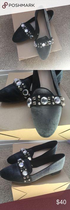 Vintage Zara velvet slip inside Vintage slip-on. Teal velvet with rhinestones. In great condition Zara Shoes Flats & Loafers
