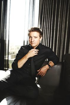 Jeremy Renner... That is all.