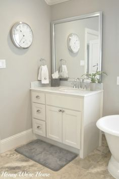 If you're seeking to refresh your bathroom with a brand-new paint job, the large number of shade alternatives can be overwhelming. These bathroom paint colors will certainly offer your bathroom the makeover you've been awaiting, whatever your style. Grey Bathrooms, Master Bathroom, White Bathroom, Painting Bathroom Cabinets, Cabinet Paint Colors, Grey Paint, Grey Walls, Gray Rooms, Home Decor Accessories
