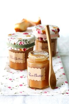 9 super yummy looking Recipes For Homemade Pear Butter! Slow Cooker Recipes, Crockpot Recipes, Rum, Pear Butter, Apple Butter, Pots, Pear Recipes, Fruit Recipes, Butter Recipe