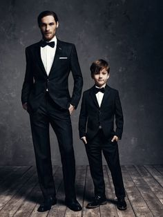 The internet is flooded with matching mother & daughter outfits. It's about time fathers and sons match their formal outfits too! Here come swag and dapper! Daddy And Son, Dad Son, Father And Son, Mom And Dad, Father Son Photos, Brother Sister, Quando Eu For Pai, Gentlemen Club, Tel Pere Tel Fils