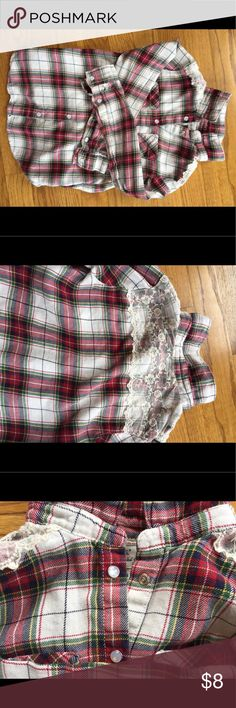 Girls button down Girls H&M plaid button down with pearl snap closures and lace overlay at shoulders. Size 7-8 Very cute!! H&M Shirts & Tops Button Down Shirts