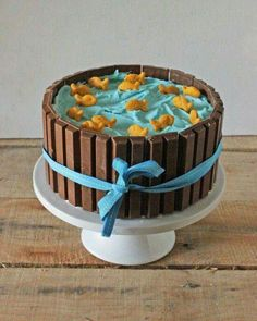 Goldfish pool cake lake Kit-Kats