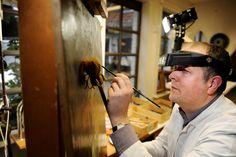 Atelier kerat restaureert oude én nieuwe kunstwerken op doek, paneel of andere dragers. Hierbij inbegrepen: iconen, muurschilderijen, steen- gips- of houten beelden. Verschillende restauratietechnieken worden gebruikt, zoals: reiniging en retouches, herstellen van de grondlagen, behandeling van houtwormen schimmels. Hoe wordt er concreet gewerkt ? Een kunstwerk met liefde en vakmanschap gemaakt, verdient een gelijkaardige aanpak bij de restauratie. Het kunstatelier kerat garandeert…