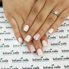 I ❤️ white nails!