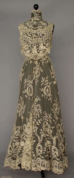 BRUSSELS LACE TRAINED GOWN (deconstructed), c. 1905 | Augusta Auctions