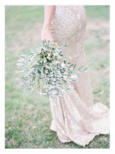 Trendy Wedding, blog idées et inspirations mariage ♥ French Wedding Blog: {bouquet de la mariée} simple, nature et ultra-chlorophyllé