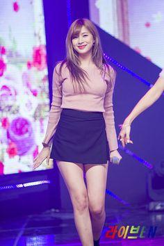 South Korean Girls, Korean Girl Groups, Apink Naeun, Lennon And Mccartney, Pink Panda, Womens Wetsuit, Lovely Legs, Hani, Girl Bands
