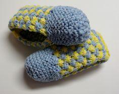 Pantoufles au tricot pour femmes Mens Loafer Slippers, Womens Slippers, Loafers For Women, Loafers Men, Biker, Work Socks, Mommy Workout, Loom Knitting, Mittens