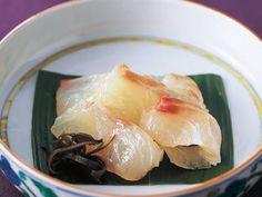 高城 順子 さんの「たいの昆布じめ」。長くしめすぎると、昆布の色と香りがたちすぎることもある昆布じめ。冷凍なら、程よい加減にしまります。 NHK「きょうの料理」で放送された料理レシピや献立が満載。