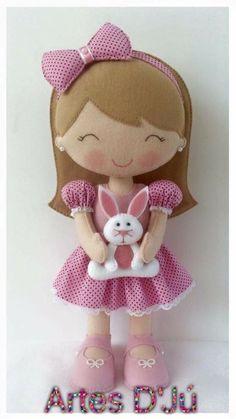 Muñeca con conejo