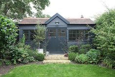 Black garden shed Shed Colours, House Colors, Summer House Garden, Home And Garden, Summer Houses, Garden Cabins, Garden Workshops, London Garden, Deco Boheme