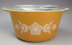 Vintage Pyrex yellow Golden Butterfly 1 qt casserole 473 with lid #Pyrex