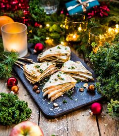 Amazing bars that always get rave revie. Beef Wellington Recipe, Wellington Food, Lchf, Individual Beef Wellington, Cinnabon, Food Pyramid, Gin And Tonic, Christmas Baking, Christmas And New Year