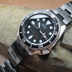Go with this PVD Black Super Oyster dressed on Seiko SKX007 on another dayemoji #strapcode #superoyster #wornandwound #toolwatch #diverwatch #watchfam #watchnerd #watcholic #watchpics #watchporn #watchlover #watchaddict #watchoftheday #WOMW #wordpressblog #strapaddict #wus