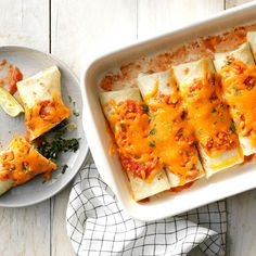 Spinach Burritos - Taste of Home Healthy Dessert Recipes, Mexican Food Recipes, Whole Food Recipes, Vegetarian Recipes, Mexican Meals, Copycat Recipes, New Recipes, Special Recipes, Summer Recipes