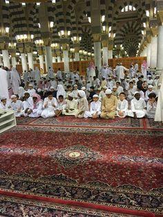 حسبتهم لؤلؤا منثورا..حلقات القرءان للأطفال في المسجد النبوي..
