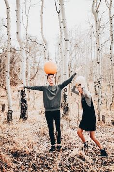 Photography poses for teens couple fun 66 Ideas for 2019 Fall Couple Pictures, Fall Photos, Fall Pics, Couple Pics, Cute Fall Pictures, Autumn Photography, Photography Poses, Photography Ideas For Teens, Halloween Photography