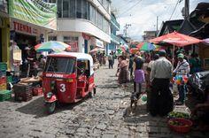 Immersions et cours d'espagnol abordables au Guatemala (Detour Local) -> Le marché de San Pedro la Laguna www.detourlocal.com/cours-espagnol-san-pedro-guatemala/