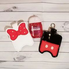 Stay Germ Free At Disney With Hand Sanitizer Holders Disney Souvenirs, Disney Trips, Disney Travel, Disney Vacations, Disney Mouse, Minnie Mouse, Hand Sanitizer Holder, Disney Inspired Fashion, Bag Clips