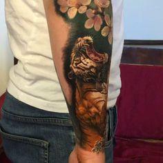 🐯 By: Steve Butcher  Location: New Zealand  Artist's IG: @stevebutchertattoos #irezumicollective #tigre #tiger #irezumi #tattoo