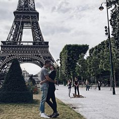 "Paris Dreaming. Eiffel Tower. 853 Likes, 23 Comments - W H I T N E Y L E N I S E (@wanderstruckwhit) on Instagram: ""She dreams in perfect French. #eiffeltower #paris #valentino #guess #topshop #bonjour #adventure…"""