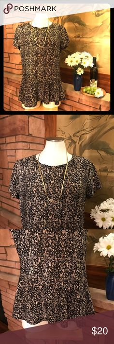 "🍇➕ Flattering Black and Gold Top This top is very flattering on with its ruffle hem. 🍇 Measurements... armpit-to-armpit: 21"", length from base of neck to hem: 25"". 🍇 From a smoke-free and happy-to-bundle closet. [P207] Avital Tops Blouses"